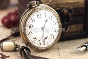 dep_6529211-Antique-Retro-Pocket-Clock-and-decoration-objects
